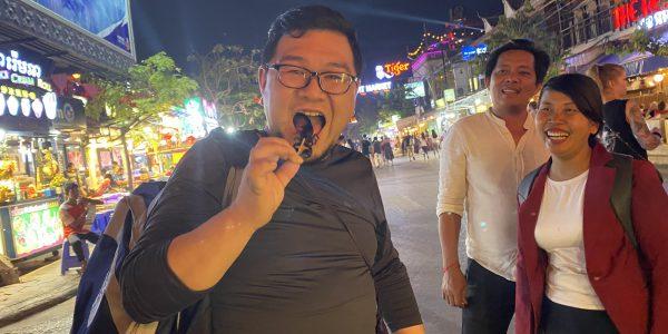 サソリを食す若田